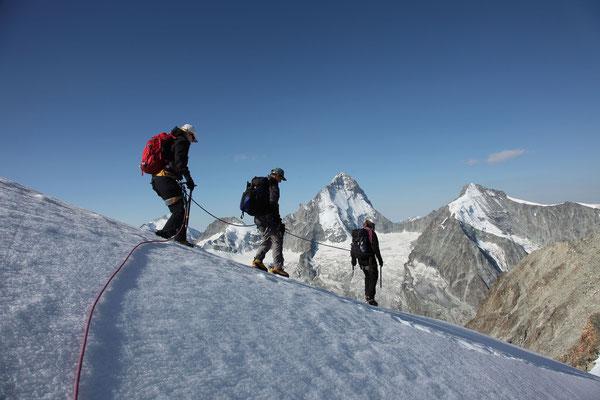Unüblicher Abstieg zum Gipfel