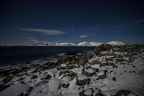Traumwetter für Nordlichter, trotz einer guten Vorhersage gehen wir an diesem Abend ohne Lichtershow Richtung Svolvaer zurück