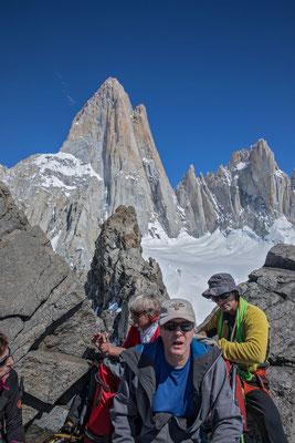 Saas Fee grüsst Fitz Roy, der Gipfel ist aber so klein, dass wir das Gipfelfoto auf offeneres Gelände verschieben