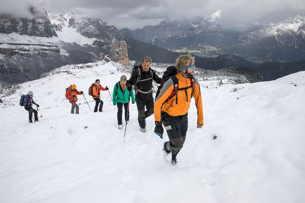 Über den Cinque Torri stapfen wir zum Nuvolau empor