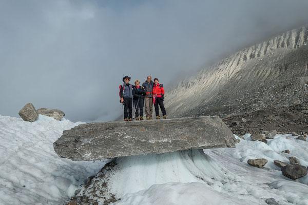 mächtiger Gletschertisch