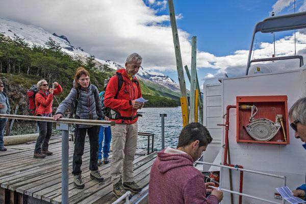 Ausflug per Boot zum Nordende des Lago del Desierto. Hier sind es nur noch zwei Stunden Fussmarsch zur chilenischen Grenze entfernt.