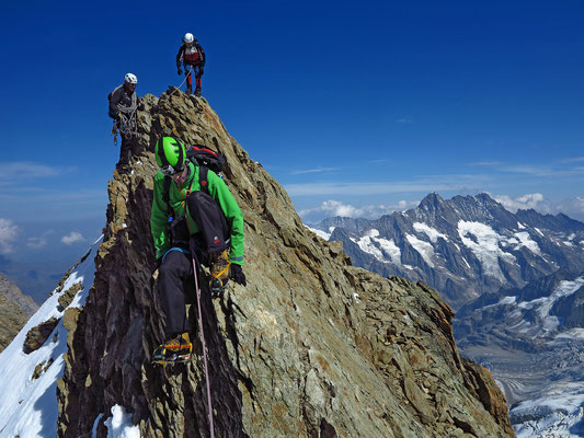 Luftige Kletterstellen kurz vor dem südlichen Eigerjoch