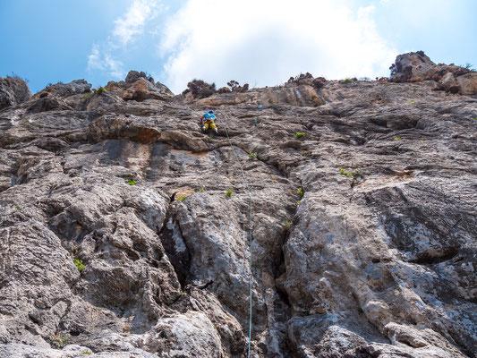 Diese 30 Meter hohen Routen sind noch nirgends in einem Führer publiziert - es gibt noch viel zu tun, wir beide kommen sicher wieder auf diese herrliche Insel