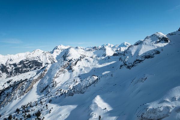 Tief unter dem Gipfel des Mariannehubel können die Spuren meines Bergführerkollegen Franz Baumgartner gesichtet werden