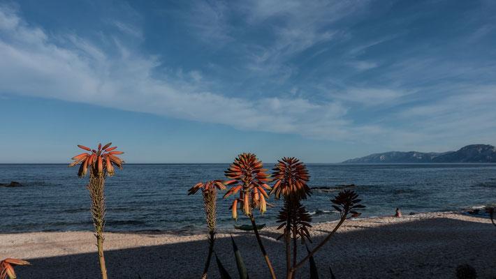Prächtig ist auch die Sicht von der Gala Gonone aufs Meer hinaus, ein herrlicher Anblick bei Pizza oder Meeresgetier