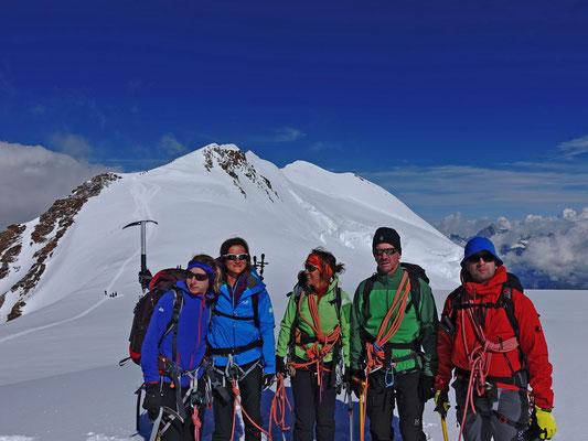 Gipfel Nummer 4, das Felikhorn, liegt gerade uns zu Füssen
