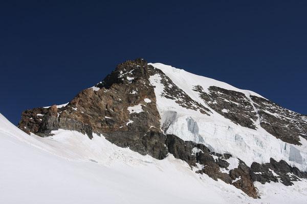 Der Mönch, links der SW Grat, rechts die Normalroute