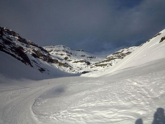Gut gespurt, der Lämmerenboden mit Blick zum Schneehore