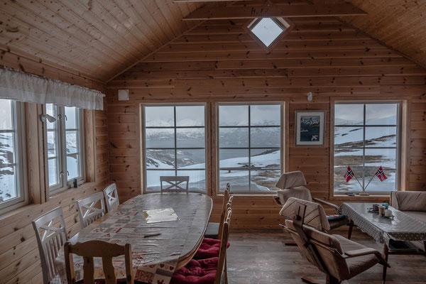 Der Blick auf Olderdalen könnte bei guter Sicht ein eindrückliches Bild abgeben