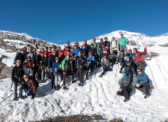 Gipfeltag, am Montag stehen wir aufbruchbereit vor der Lämmerenhütte