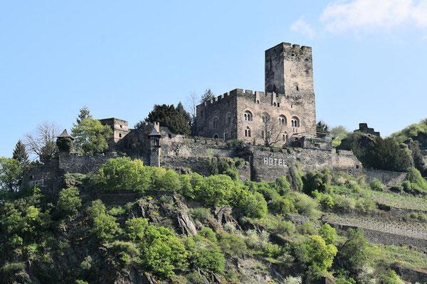La forteresse de Gutenfels dominant la ville de Kaub
