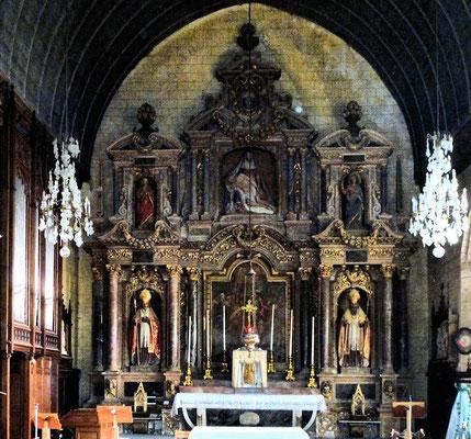 Le retable réalisé en 1637 par Pierre Corbineau est inscrit au répertoire des monuments historiques
