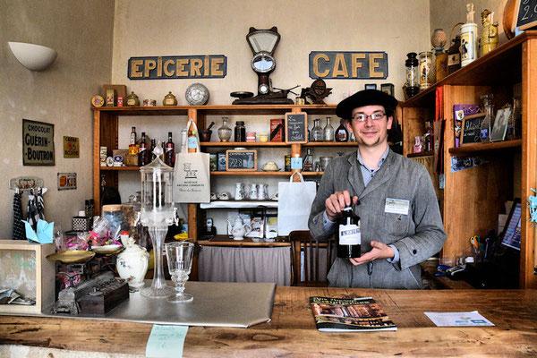 Merci Clément pour la visite et... on prendrait bien une petite absinthe ?