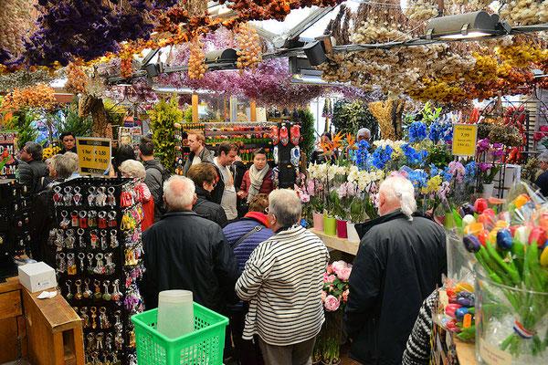 Le marché aux fleurs, un plaisir pour la vue et l'odorat dans un univers de couleurs et de senteurs.