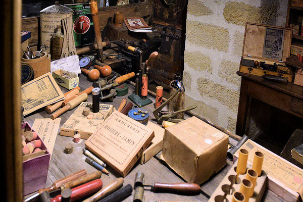 Fusils de chasse, cartouches, plombs, poudre etc... le bonheur du chasseur dans la boutique de l'Armurier !