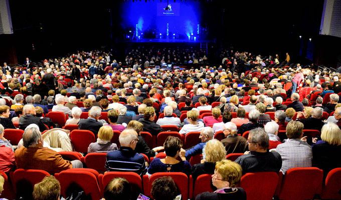 1250 personnes pour ce spectacle Gemouv35 de fin d'année