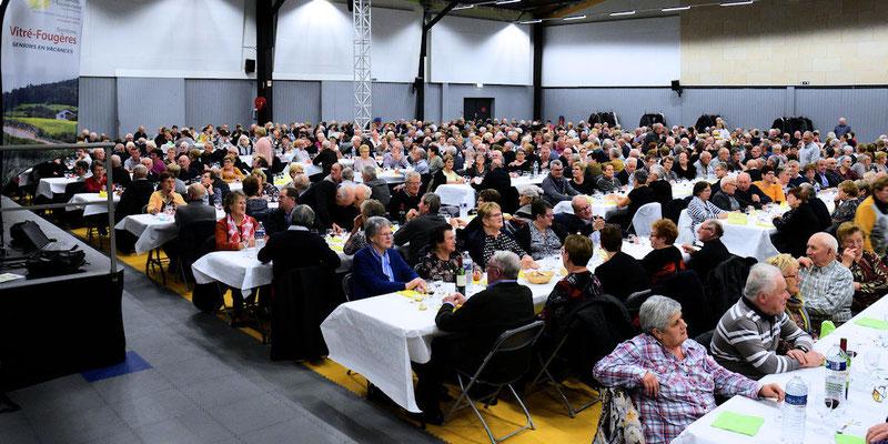 658 personnes au Grand Restaurant des Retrouvailles
