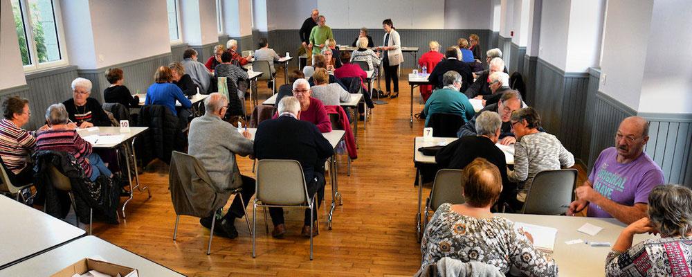 Treize équipes réunies dans la salle des associations