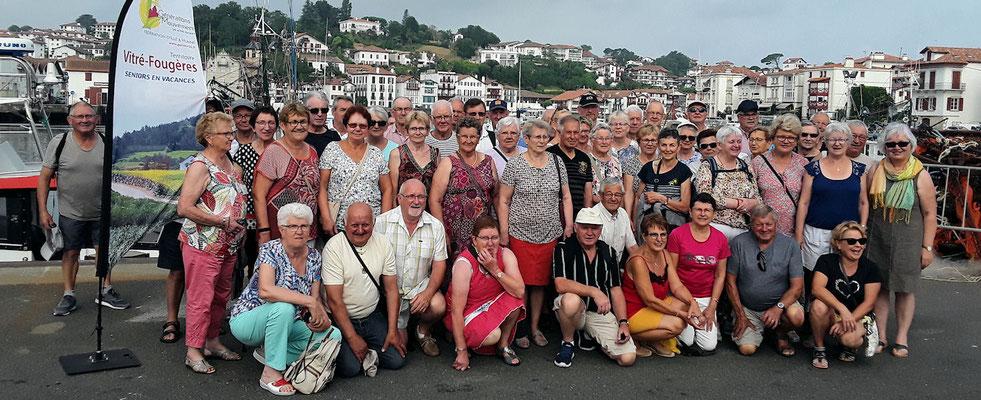 Photo de groupe sur le port de pêche de St Jean de Luz
