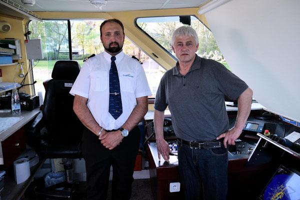 Merci Frank (notre Commandant à droite) merci Adrian (notre Timonier) pour les informations et les explications