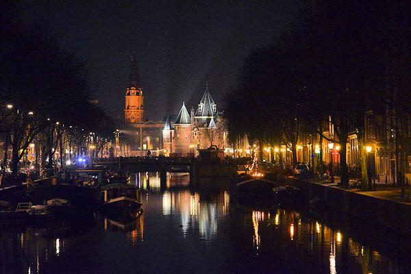 Après le dîner une petite sortie à pied dans Amsterdam