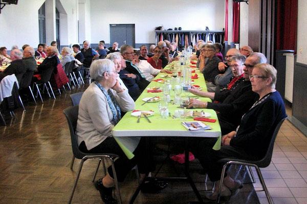 Soixante cinq adhérents présents pour ce repas d'automne