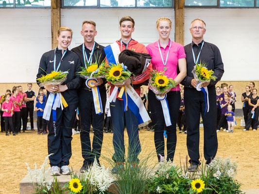 Bayerischer Meister Senior Einzel: 1. Julian Wilfling (Weicht), 2. Regina Burgmayr (VVI), 3. Chiara Hilverkus (Weicht)