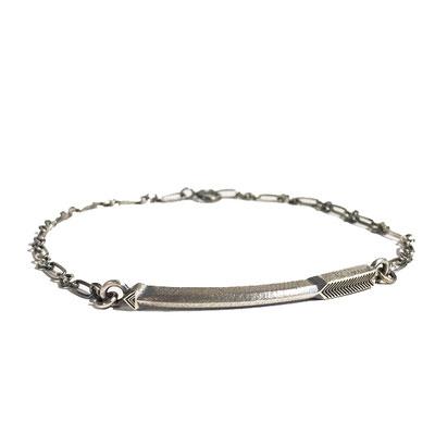 bIRTHRE arrow bracelet