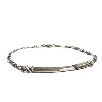 bIRTHRE arrow bracelet