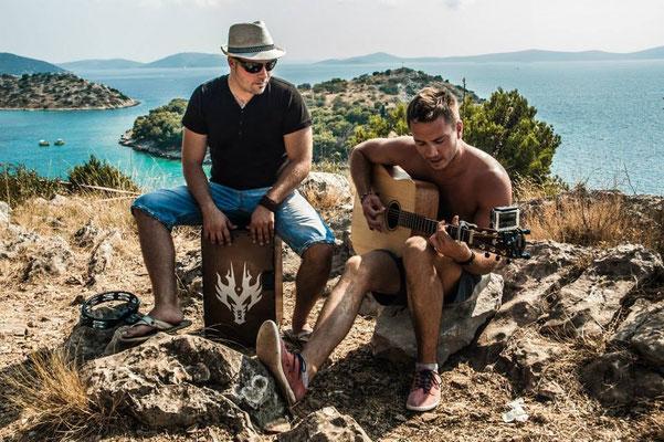 Band Beach Acoustic