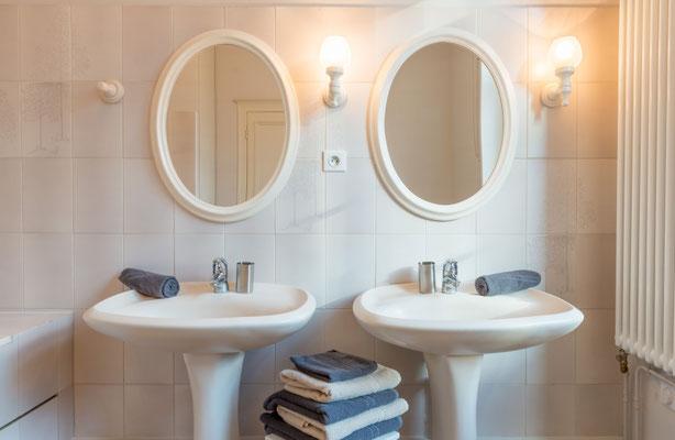 Salle de bain sur palier