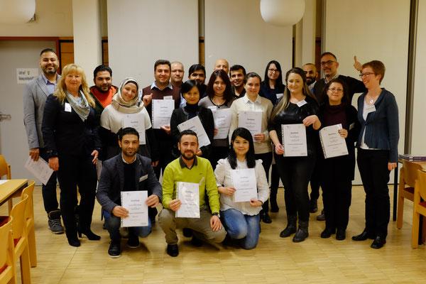Zertifikatsübergabe an die Integrationslotsen am Ende des Ausbildungskurses