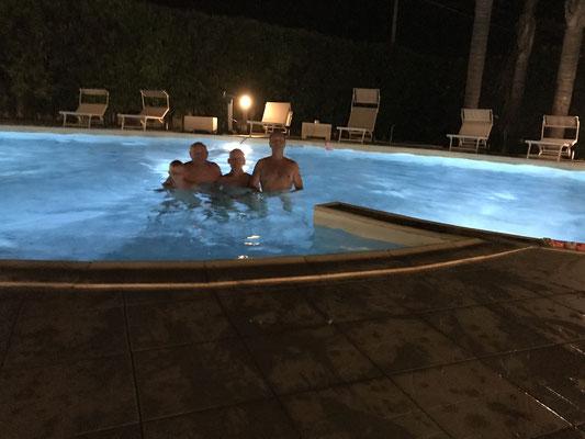 fkk pool ITALIEN