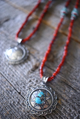 antique white herat necklace w/flower concho kingman turquoise ネックレス