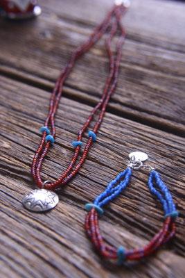 necklace , bracelet ネックレスとブレスレット