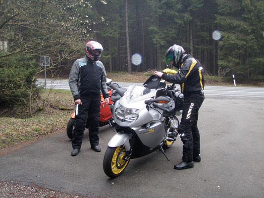 Wetter im Harz, 2,5 Grad, naß, aber die Frisur sitzt