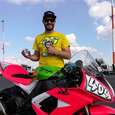 RaceAnalyse mit talentiertem Hobbyrennfahrer