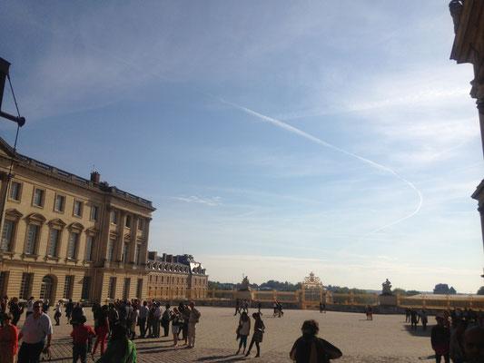 ヴェルサイユ宮殿(パリ近郊)