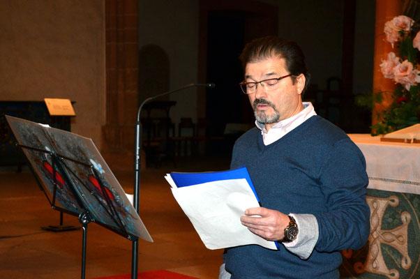 Niko Gözüpekli bei einer seiner Lesungen