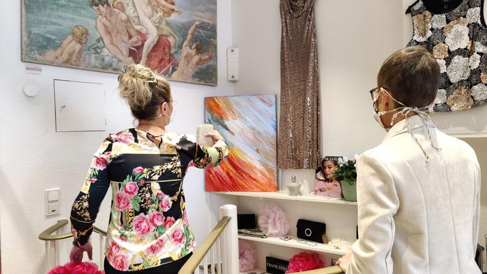 Frauke Ahlers in der Boutique Avantgarde Mode, Foto: Beatrix van Ooyen