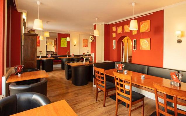 Jemanda im Café La Bohème, Foto: Studio Jemanda