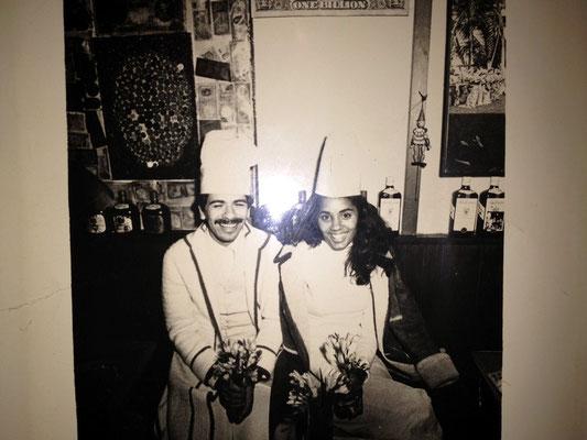 サンタナと当時の奥様。一億のコック帽をかぶって…