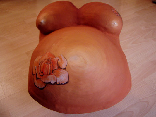 `PlasterArt´ pregnant belly painted