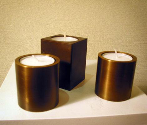 Teelichtleuchter massiv in rund und eckig