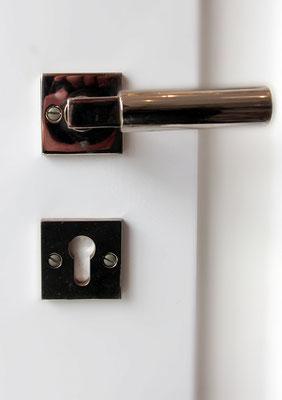 Bauhausrosette mit Griff, Haus-und Zimmertür