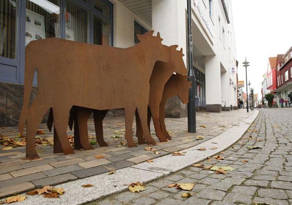"""Skuplturentwurf  """" Kühe für die Neustadt"""" aus Cortenstahl"""