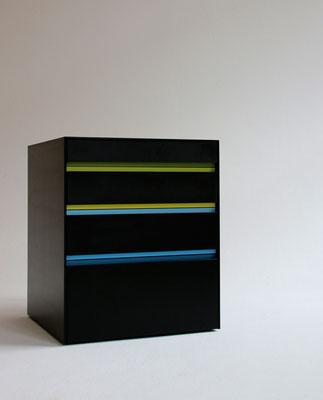 Büromöbel Valchromat schwarz Nussbaum Aluminium Pulver beschichtet geölt Pistorius Berlin