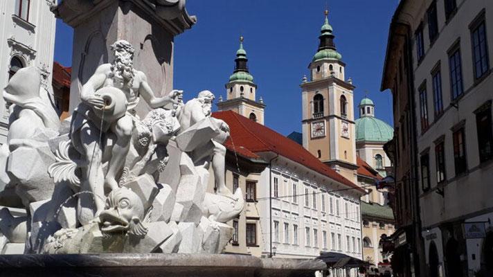 Tour 3 Bild 8 Drei-Flüsse-Brunnen in Ljubljana