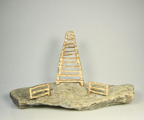 Steps to heaven, brons op natuursteen 25 cm x 25 cm